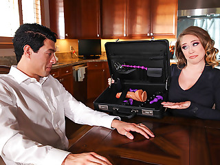 Brazzers – Kagney's Anal Expert–Tease