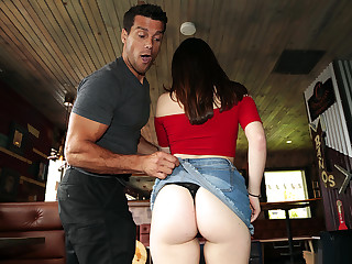 8th Street Latinas - Viva Slutty Veronica