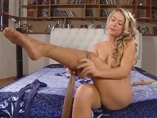 Denis featured in pantyhose video