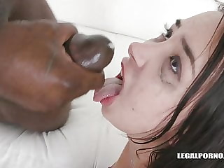Freya Dee piss and cum for skinny Slovak whore IV312