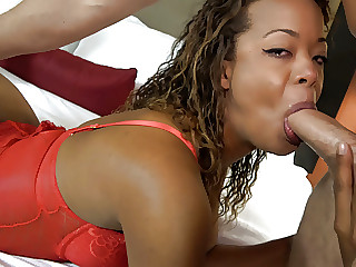 Black Amateur Texas Girl First Time Threeway With White Guys