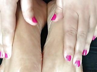 Massage and worship my feet