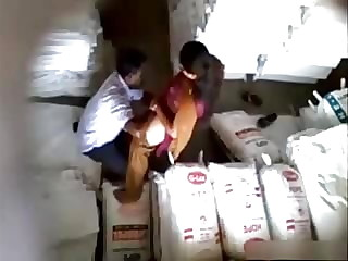Aunty Fuckimg im store room with her collegue