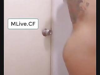 Thai show shower