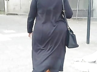 Candid Hijabi sexy bengali milf with big phat ass bouncing